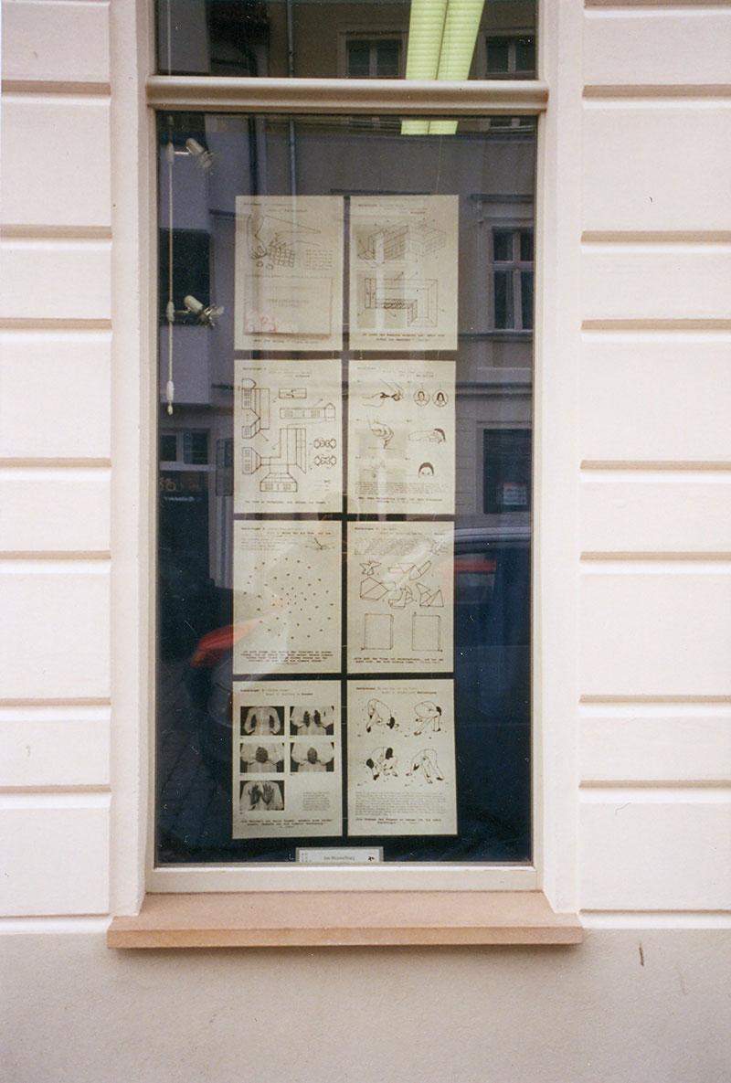 ˈBastelbögenˈ Kunst im Schaufenster