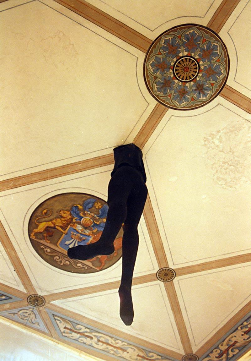 ˈEins auf den Wegˈ Rauminstallation in der Klosterkapelle Rambin (1997)