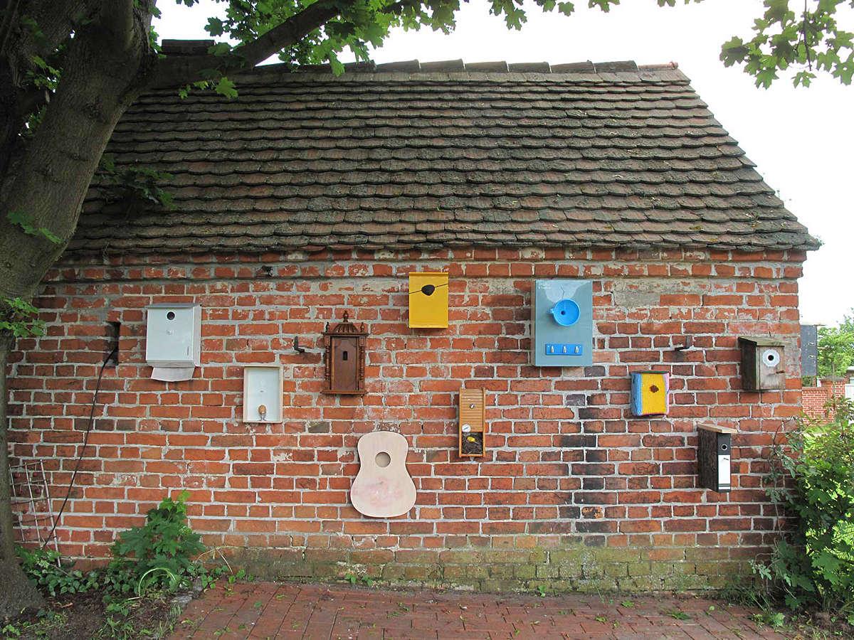 """Projekt """"Land schafft Kunst"""" in Neuwerder – Auswahl (6/2010)"""